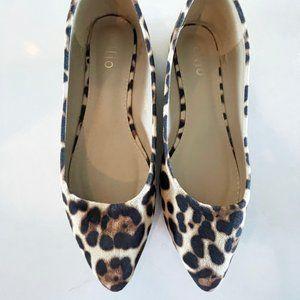 Ollio Leopard Faux Suede Point Flats size 9
